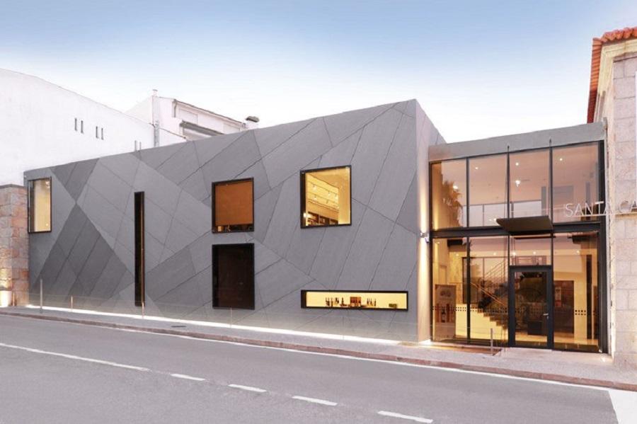 Kết cấu nhà khung thép tiền chế đơn giản với tấm bao che công trình độc lạ