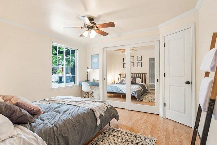 Simple bedroom plaster ceiling model